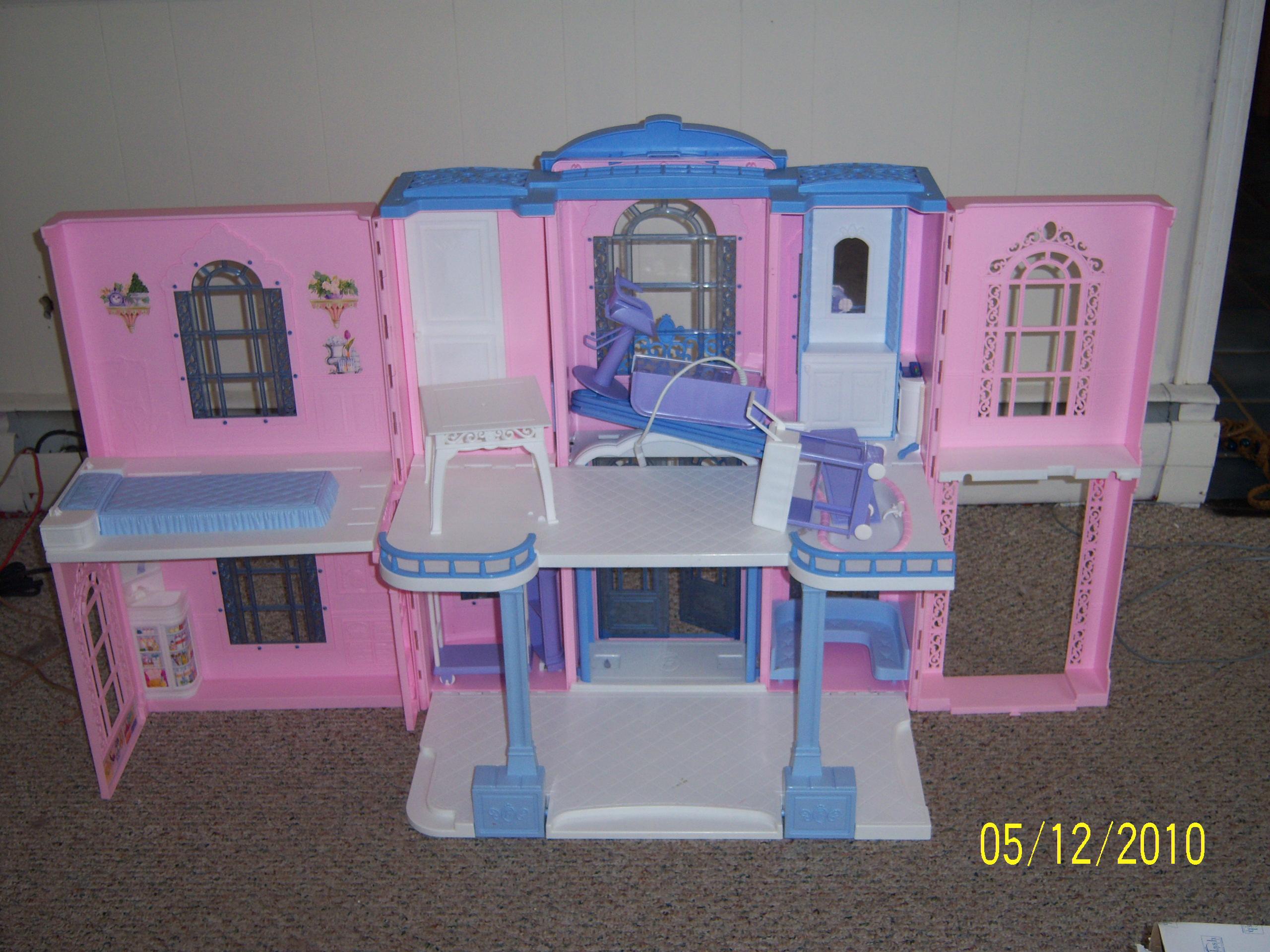 Barbie hotel in jefferspdx 39 s garage sale portland or for Hotel barbie
