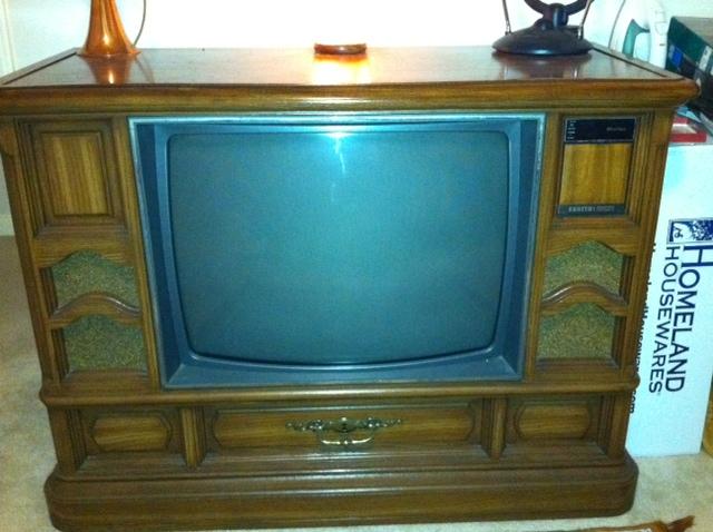 Zenith Advanced System 3 20 Color Televison Set In Antique Case In