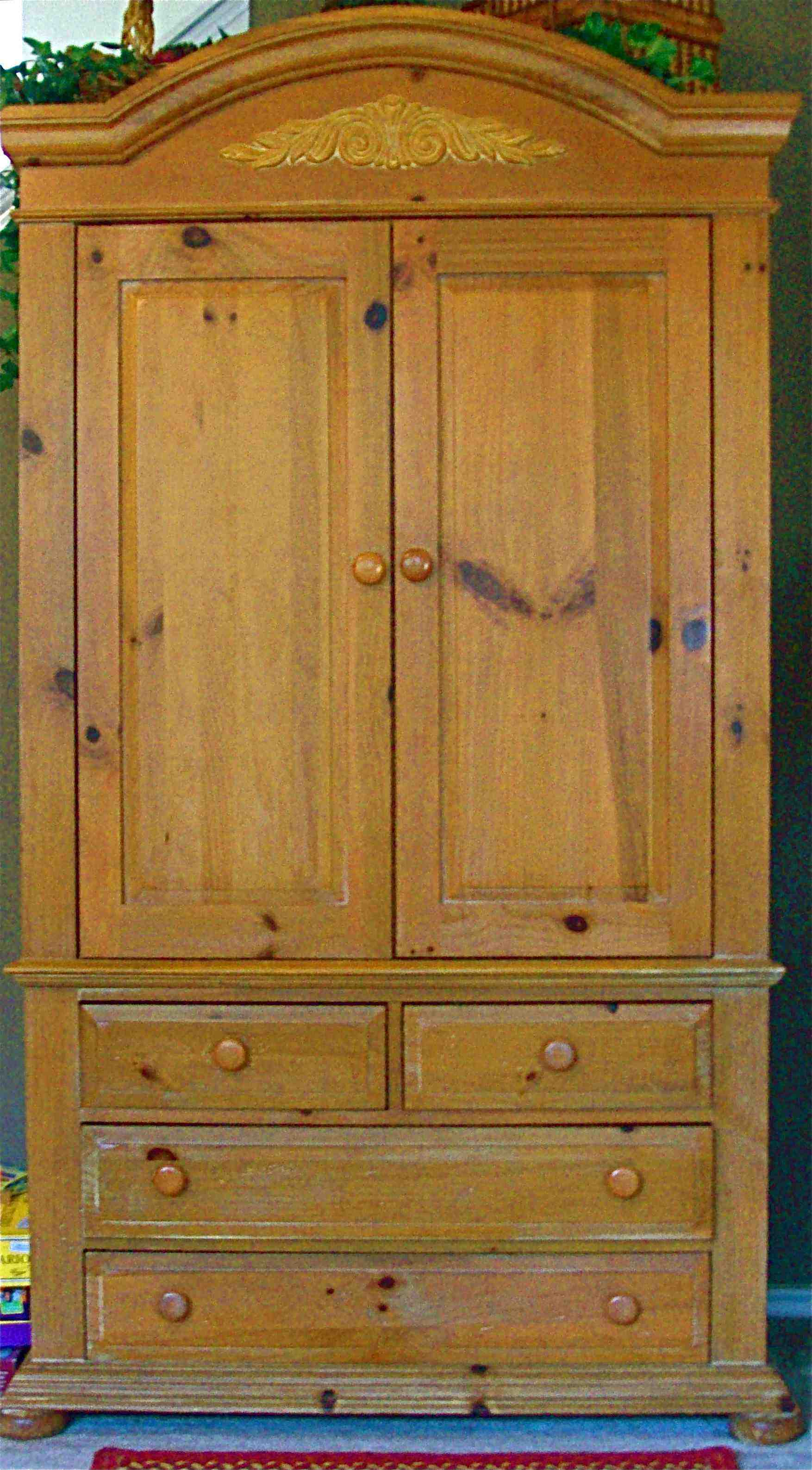 Broyhill Fontana Tv Armoire In Furnitureandmore S Garage