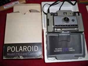 Polaroid Model 230 Land camera w/ Original Box & Manual