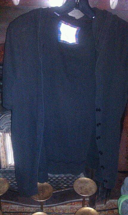 3x-Black short sleeve w/ hood cover