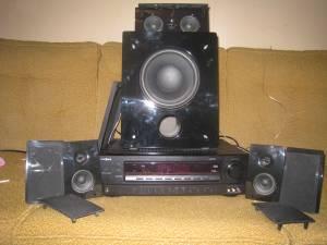 Insignia 1000 Watt Home Theatre System, Include\'s 6 speakers