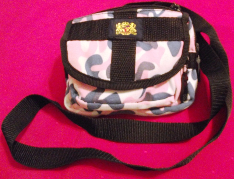 Camoflauge Zippered Shoulder Bag