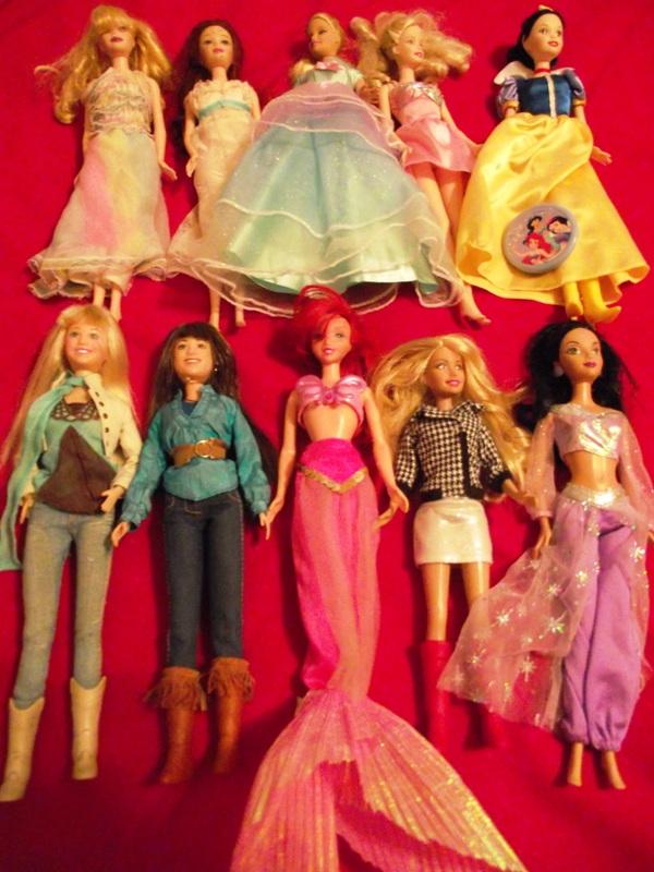 Lot: 10 Barbie Dolls