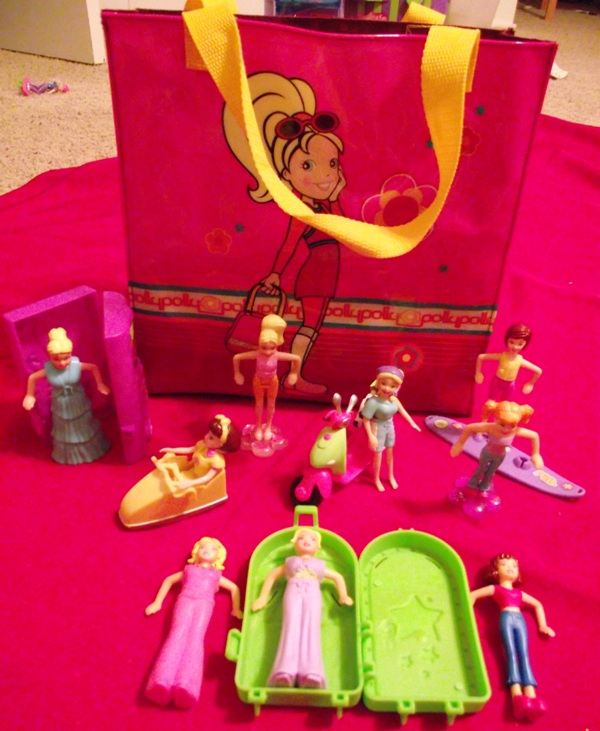 Lot: 9 Polly Pocket Dolls w/Accessories & Polly Pocket Bag
