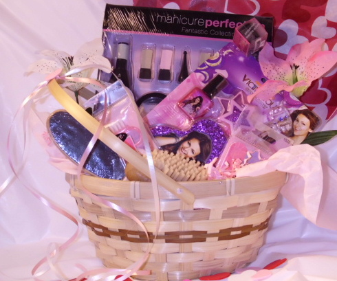 Loves Pink Special gift basket
