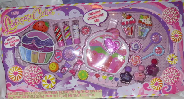 Lollipop Cutie Make-up set with cupcake carry case