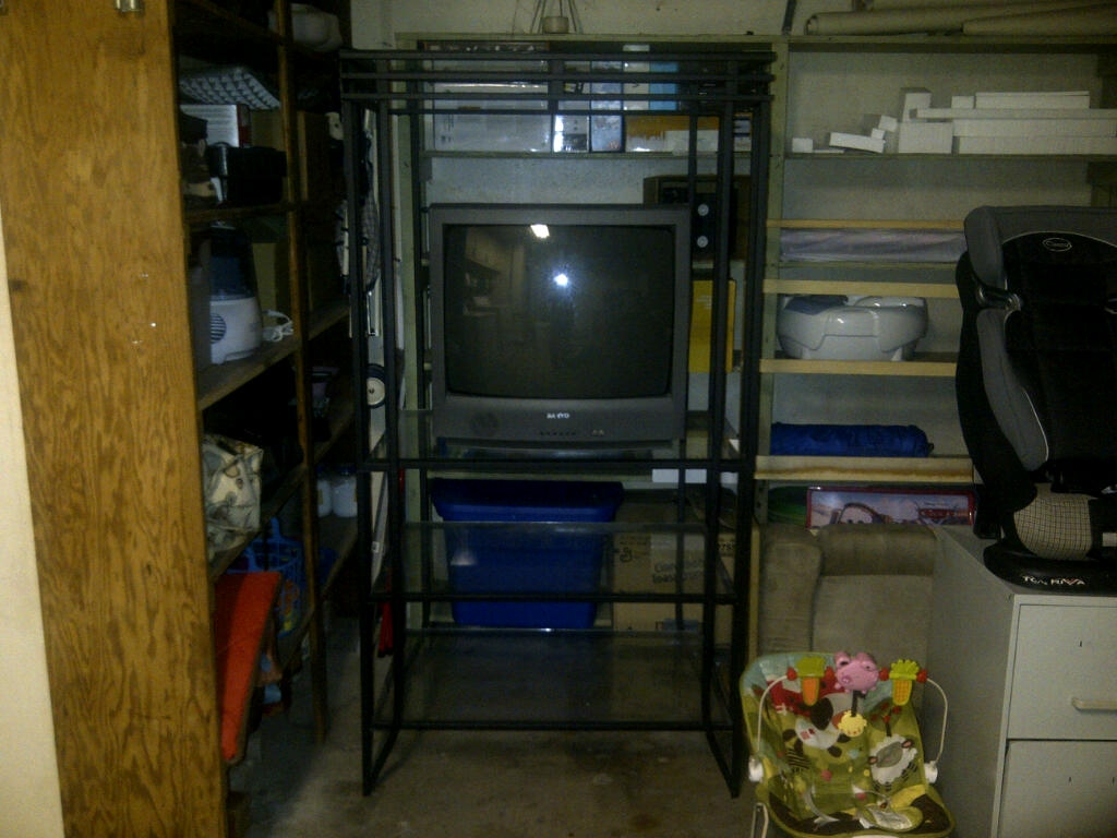 Tv Stand For Up To A 32 Quot Crt Tv In Rankin Junk Your