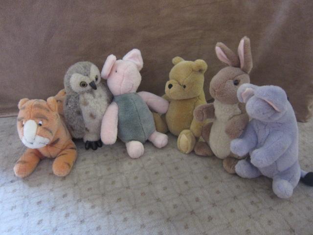 Winny The Pooh - vintage stuff animal collection