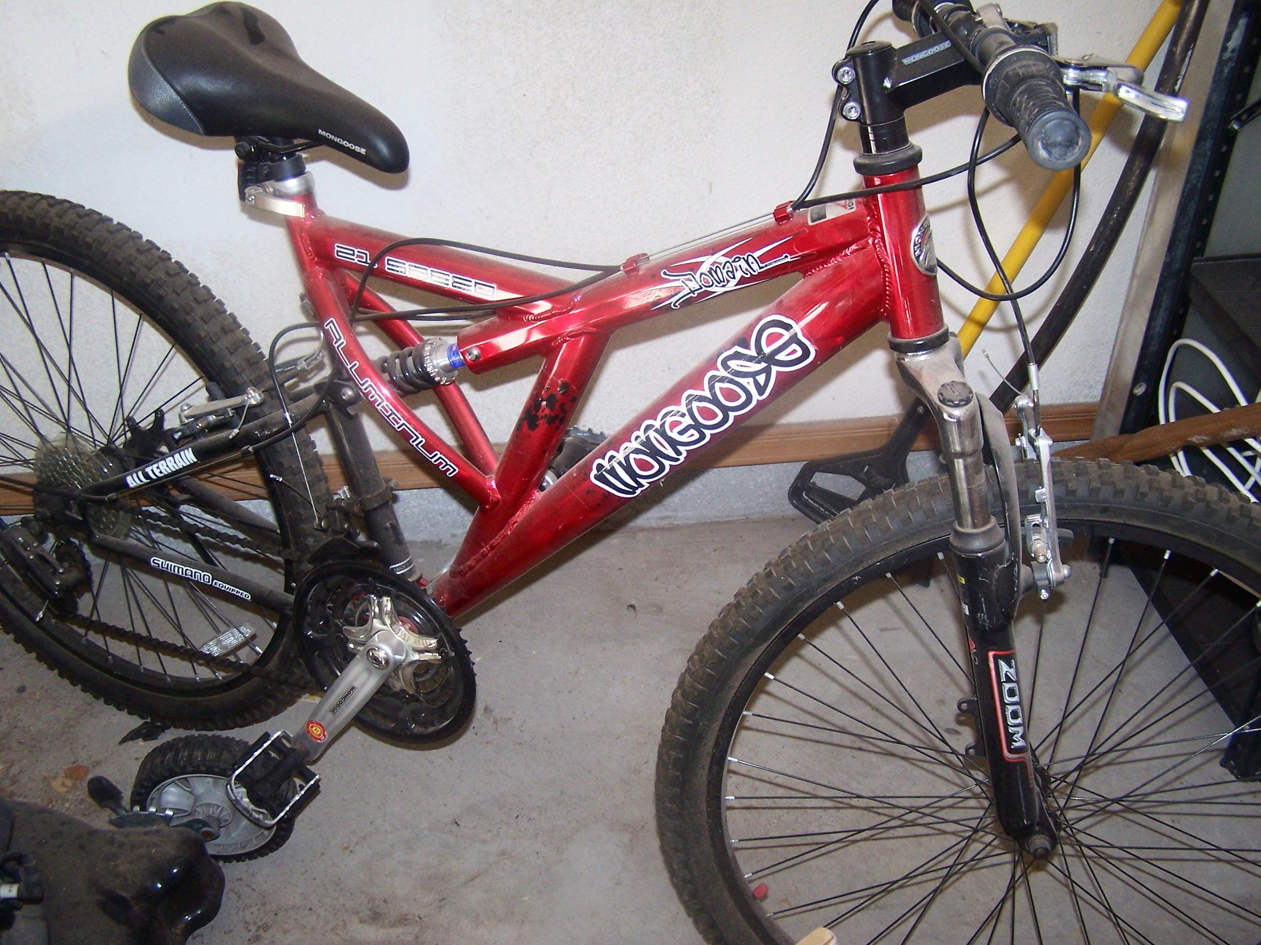 "Mongoose Men\'s Domain 26\"" 21-Speed Dual-Suspension Bicycle"