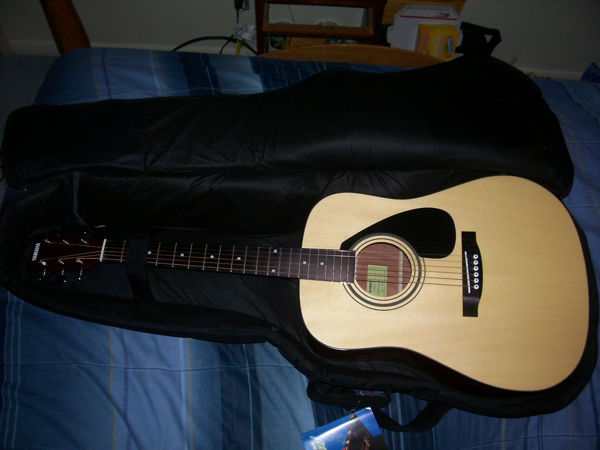Yamaha 6 String Acoustic Guitar