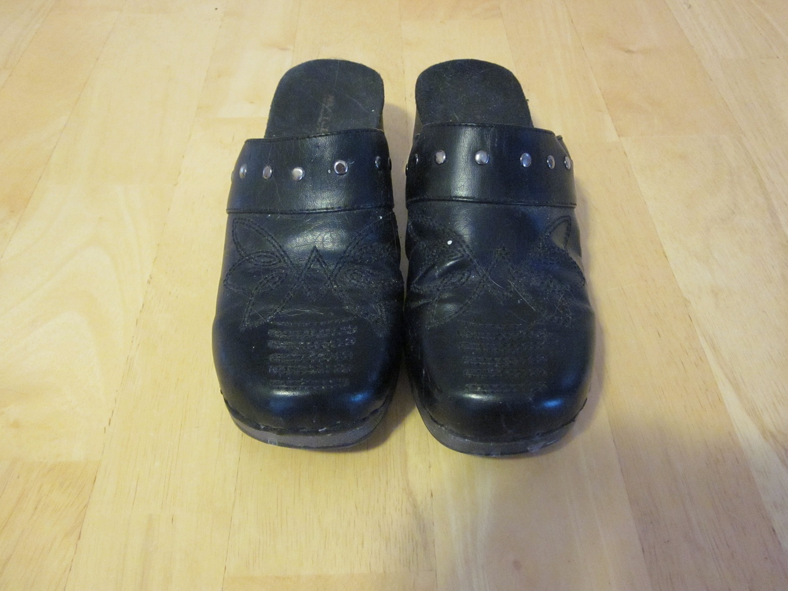 Black Clogs - Size 5 1/2