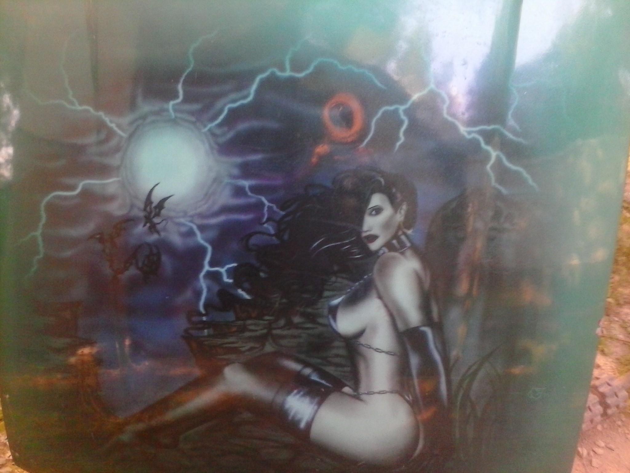 1990 hood w/airbrushed artwork