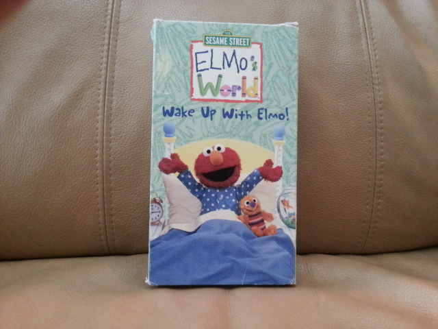 VHS Elmo\'s World, Wake up with Elmo