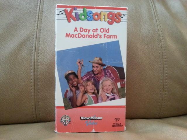 VHS A Day at Old MacDonald\'s Farm