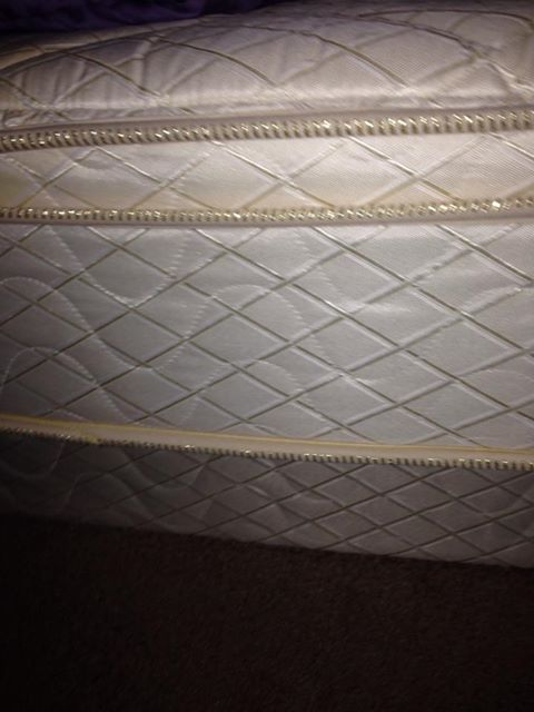 Queen size set mattress