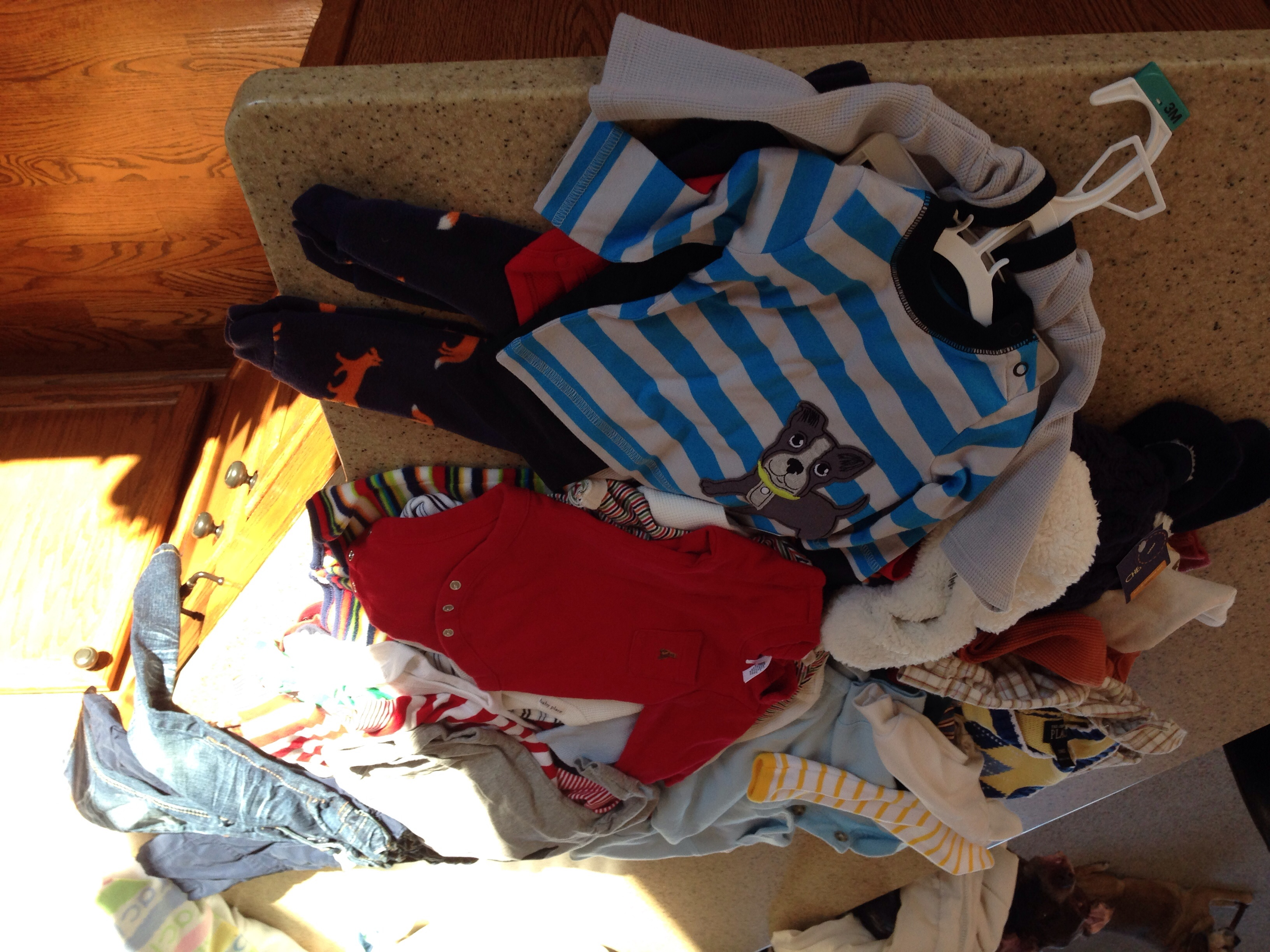 Boys huge lot 0-12 month name brand clothes, some new with tags