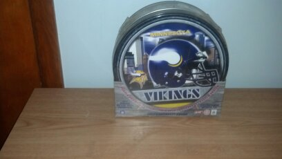 Minnesota Vikings Jigsaw Puzzle with Tin