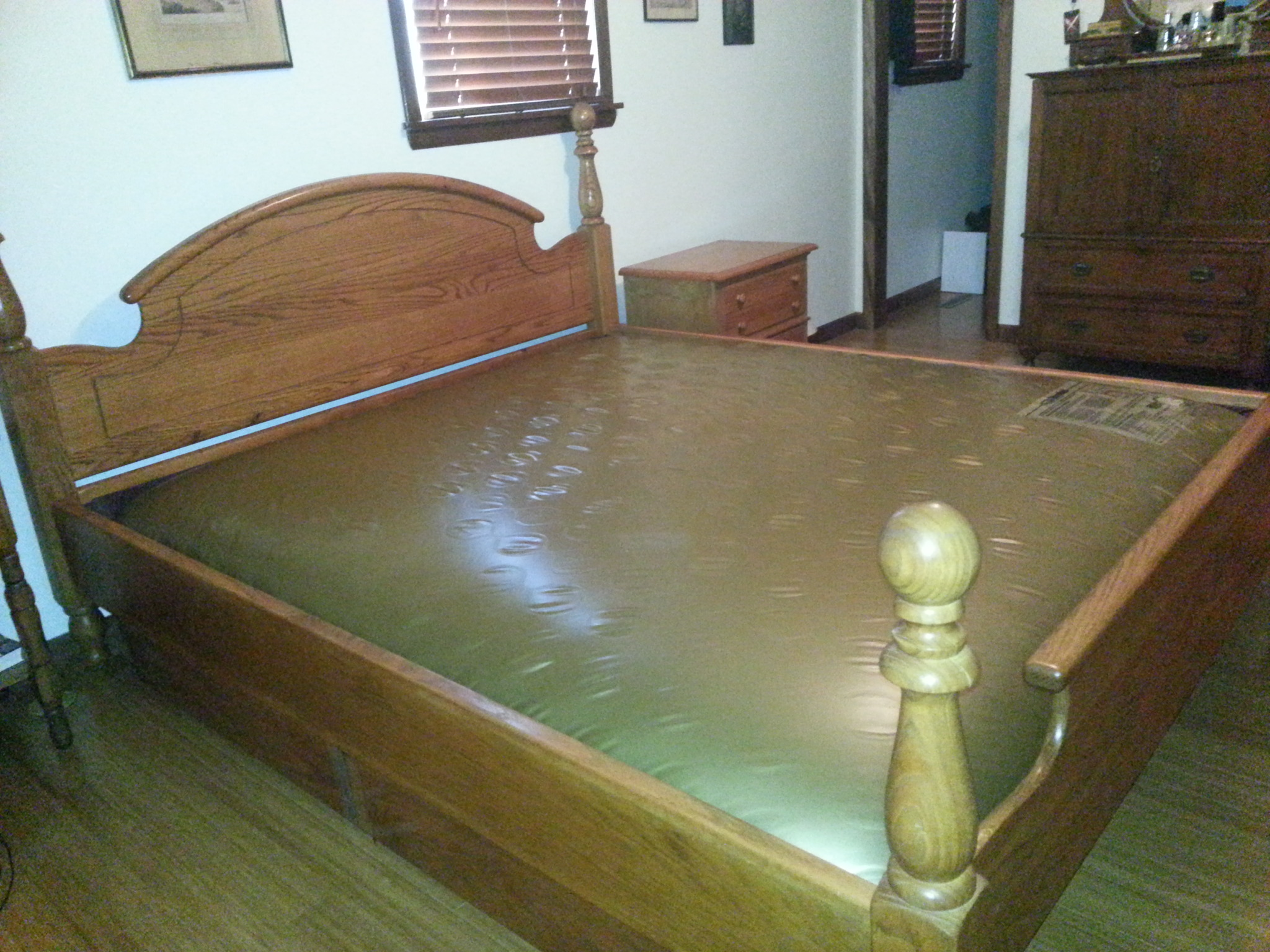 King size Solid Oak WATERBED-Waveless in Bethanns_Garage ...