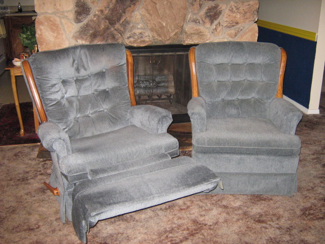 Recliner with 2 Matching Chairs