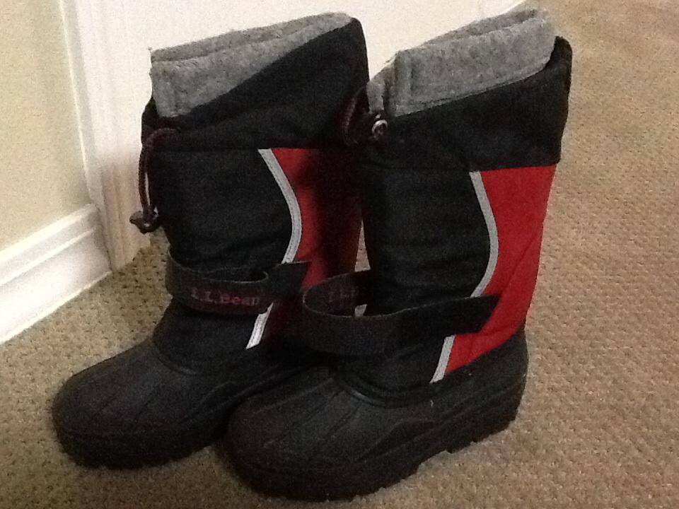 kids snow boots in karenk u0026 39 s garage sale forsyth  mo