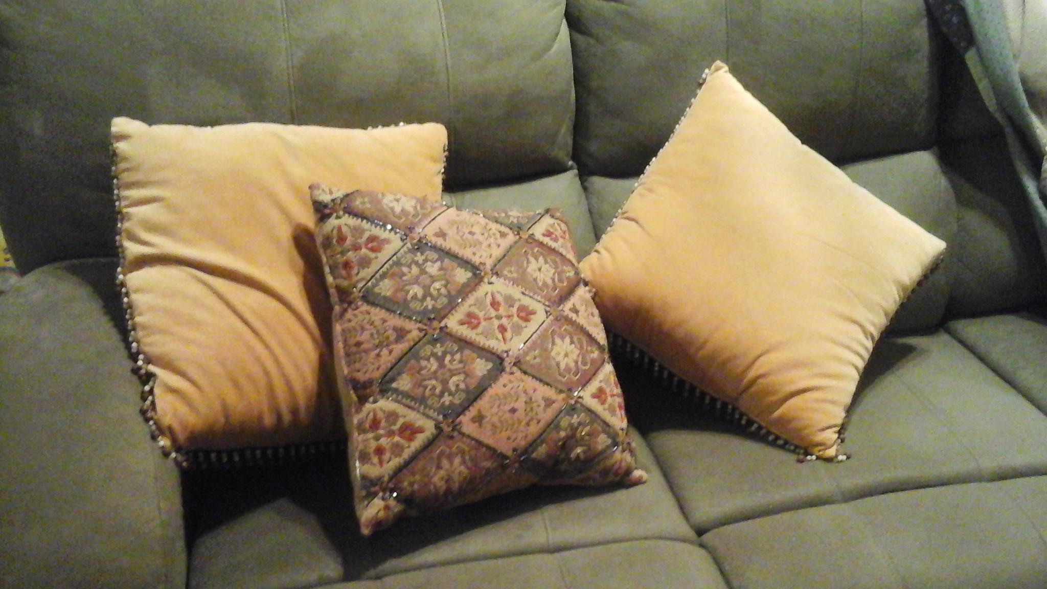 set of 3 throw pillows
