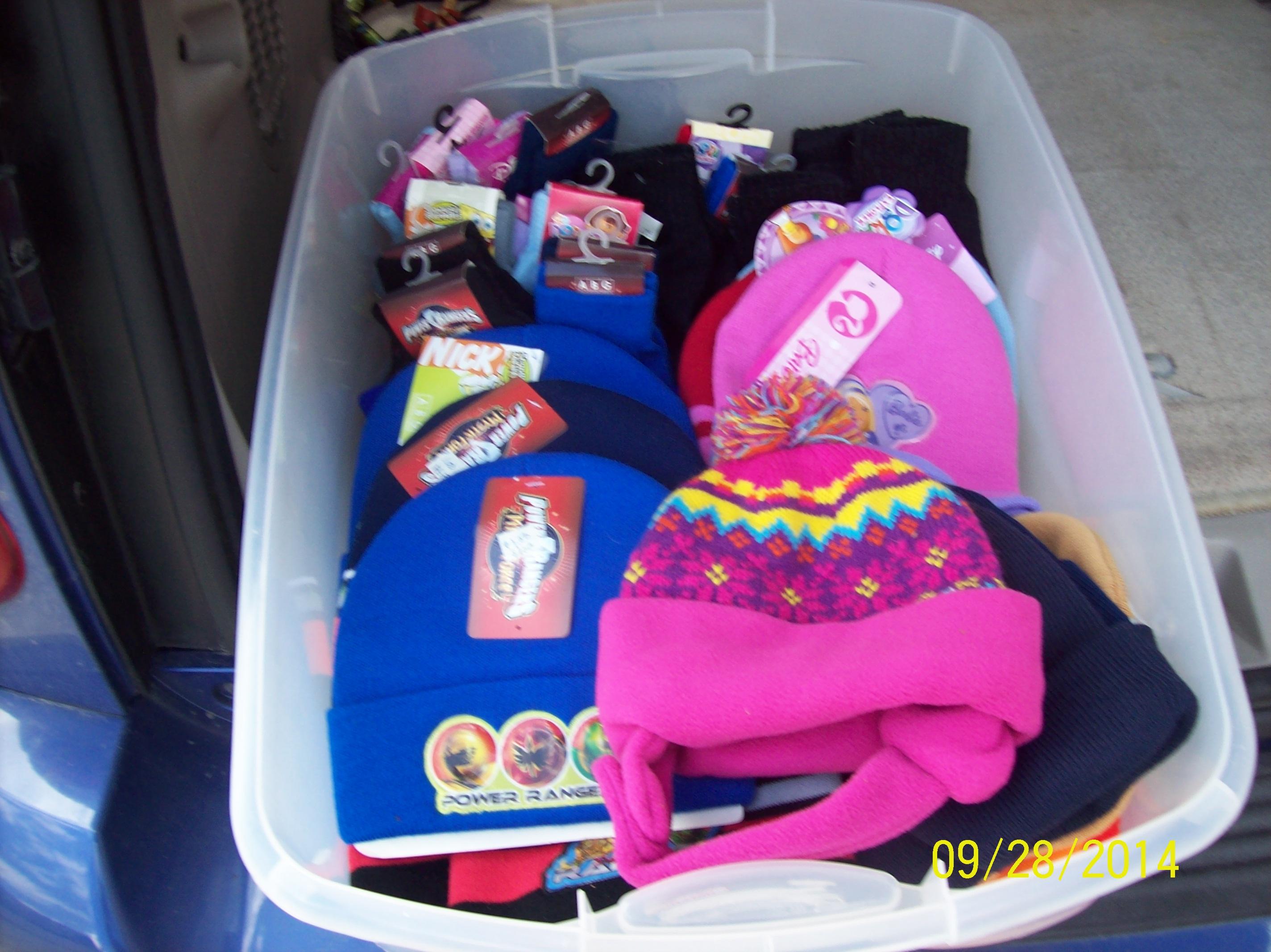 Children\'s winter hats and gloves