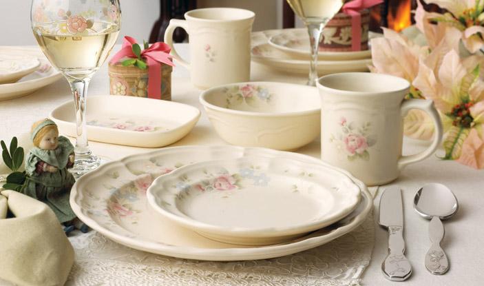 Pfaltzgraff  Tea Rose Pattern  All 150 Pieces