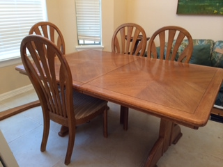 Oak Dining Table with leaf and four chairs