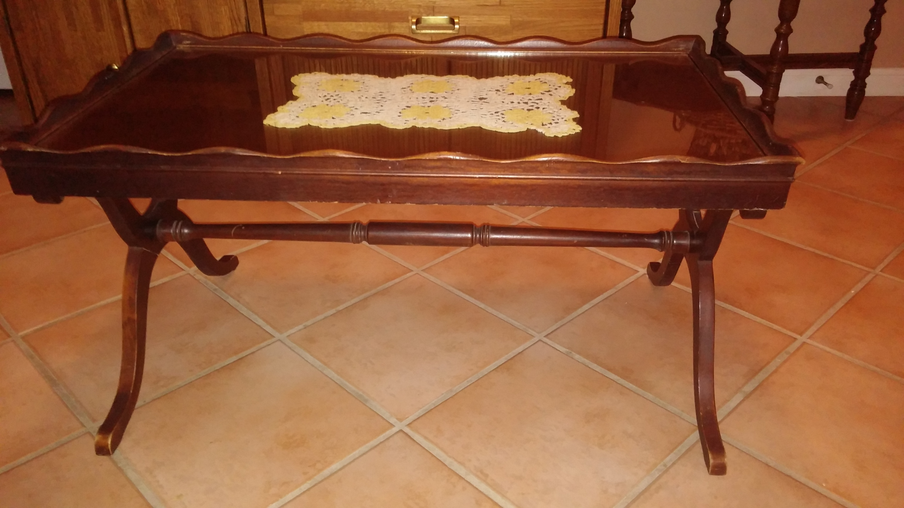 antique coffee table, removable glass top for display