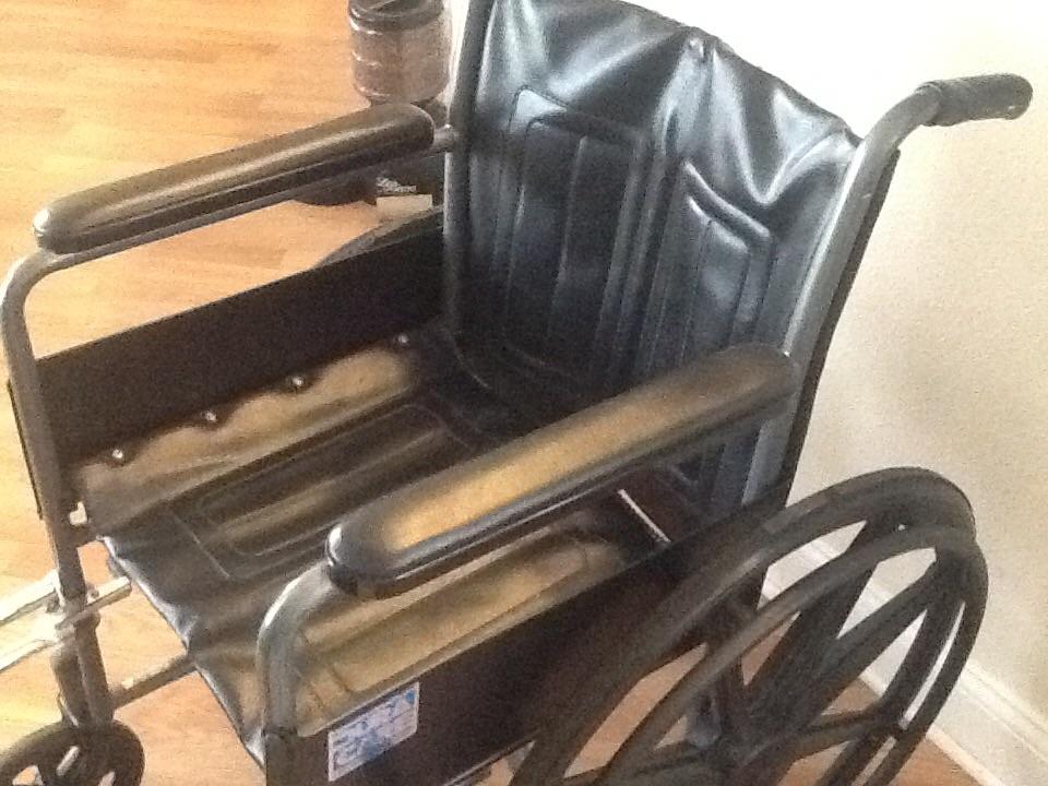 """Dura Care Wheelchair. 16\"""" x 18 \"""" seat"""