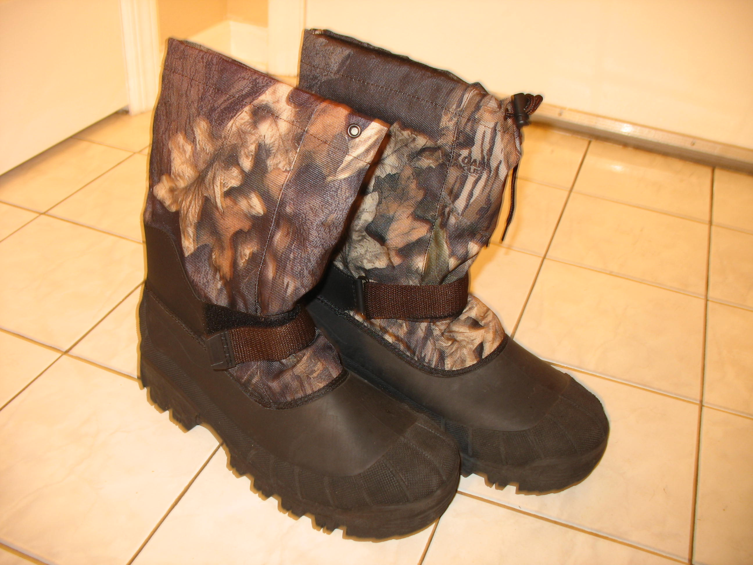 BOOT FOR MAN (SIZE 11)