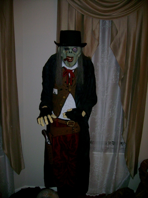"6-3\"" Halloween Prop ,  DeadEye GunSlinger Lifesize"