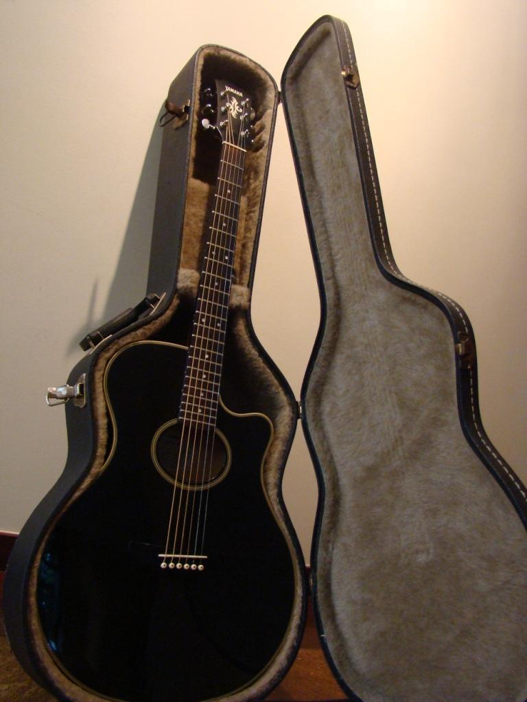 Violao  Eletro-acustico Yamaha  Apx-4