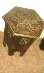 ANTIQUE LOOK END TABLE