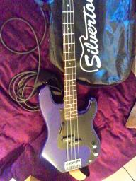 Deep Purple Electric Bass w/ Amp and DVD