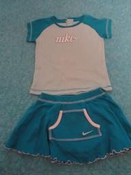 Nike Cute Girls 2 pc Blue/Whita Cheer Leading Outfit.