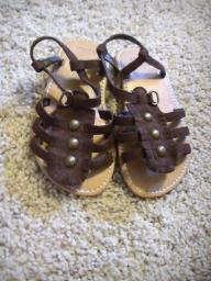 Brown infant sandals size 7/8