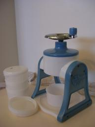 Pampered Chef Ice Shaver with Bowls