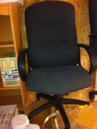 Matching office chairs (6)