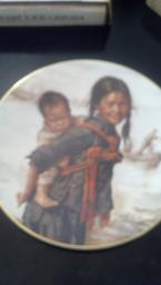 2 Girl with little Brother plates