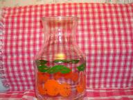 GLASS ORANGE JUICE BOTTLE-PRISTINE CONDITION VINTAGE  (2 1/2 MEN