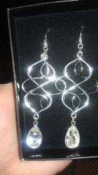Avon Open Loop Teardrop Earrings (silvertone)