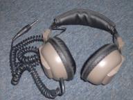 VINTAGE REALIST NOVA 40 HEAD PHONES