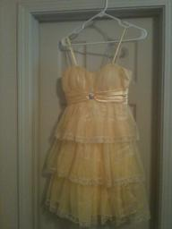 Size 3/4 Yellow lacy formal short dress