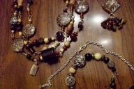 3 necklaces and 1 bracelet, brown, leopard
