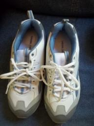 ladies tennis shoes