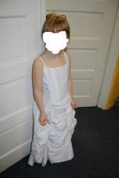 Flower girl / jr brides dress
