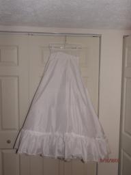 poofy skirt under wedding dress size 8
