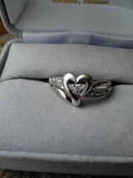 White gold heart-shaped diamond ring